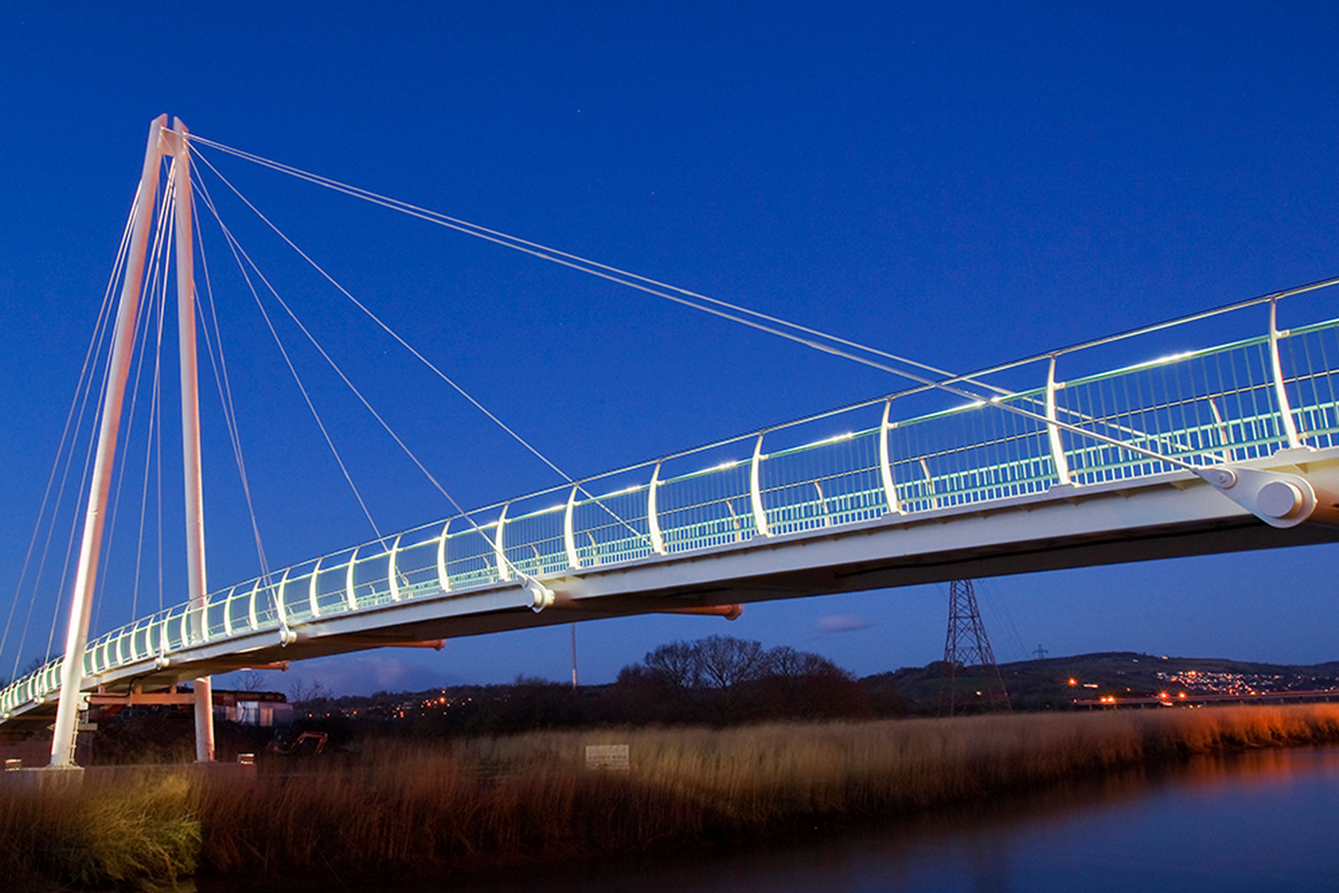 Sustainable lighting solution ensures safety for cyclists on Town Quay Bridge